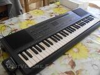 Clavier électronique BONTEMPI BT 909